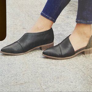 SERRA Black Pointed Toe D'Orsay Slip On Flats - 9M - New Condition